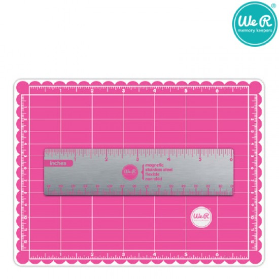 We R Memory Keepers crafters mini magnetic mat & ruler 12.5cm